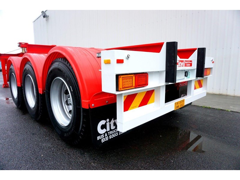 cbtc australian made tri-axle retractable skel trailers 413709 006