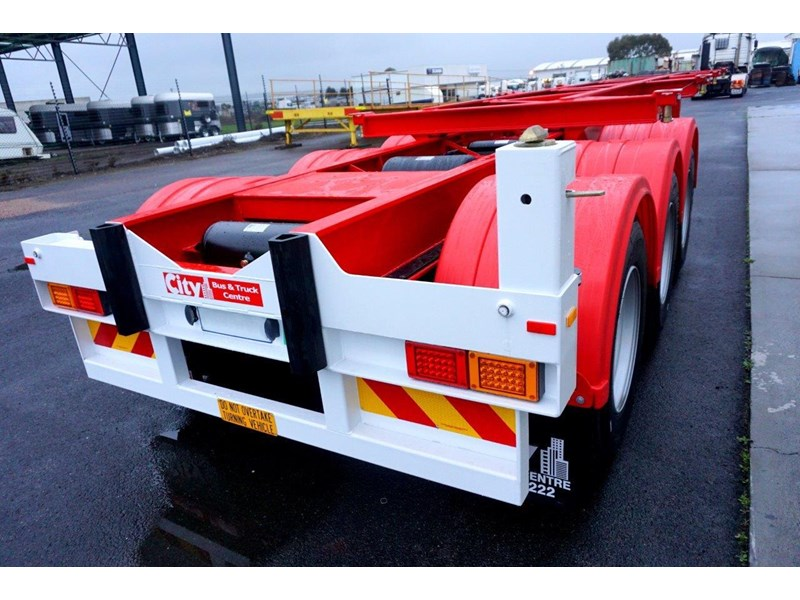 cbtc australian made tri-axle retractable skel trailers 413709 013