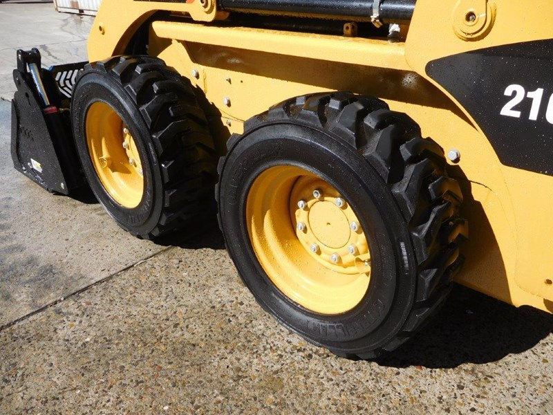 caterpillar #2229 216b.3 cat 216.b3 skid steer loader [47 hp][demo machine with only 172.6 hours] [machcat] 413736 008