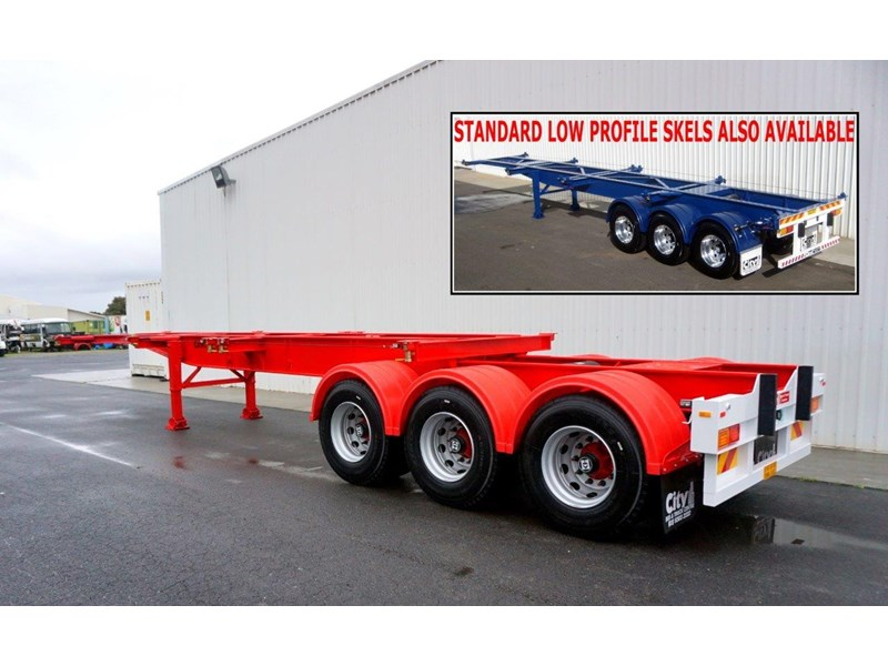 cbtc australian made tri-axle retractable skel trailers 413709 001