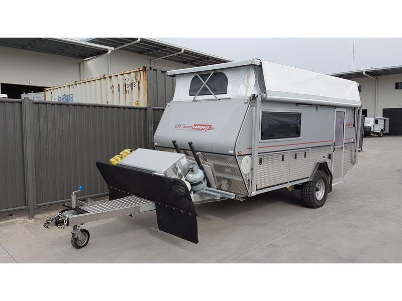 australian off road quantum with heater, bike racks plus much more! 414527 001