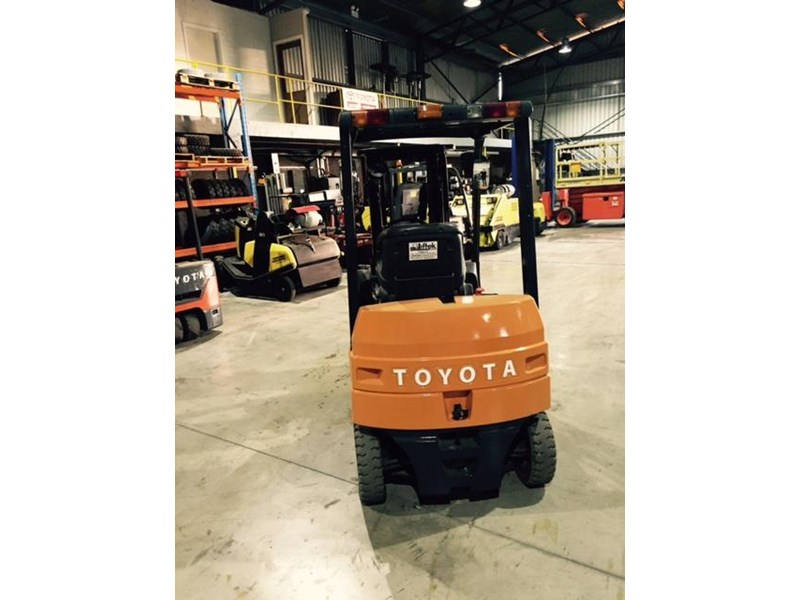 Four Way Side Loader Forklift Mitsubishi Rbm2025k Series: TOYOTA 7FB25 ELECTRIC For Sale