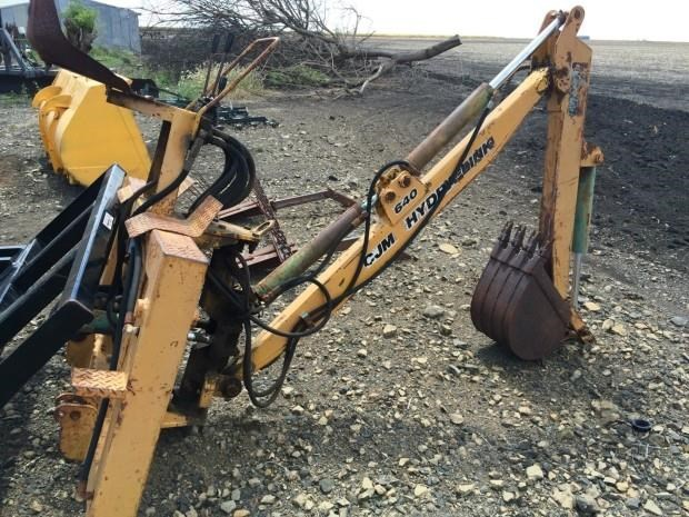 cjm attachments 640 hydra-link backhoe 380629 006