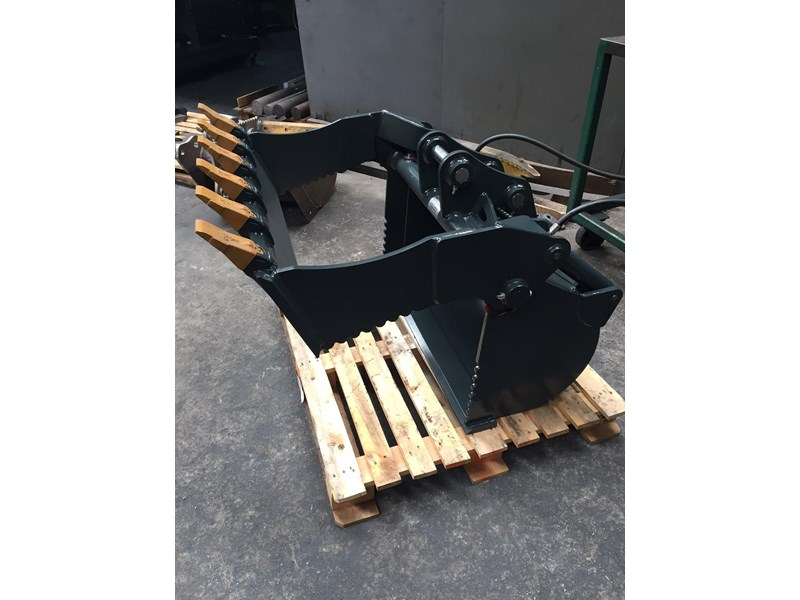peter gardner engineering 4 in 1 excavator bucket 220638 003