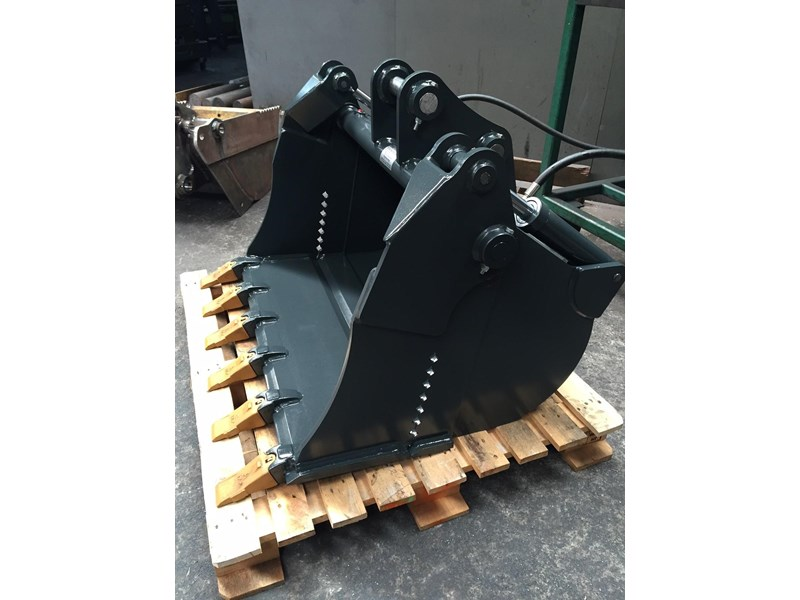 peter gardner engineering 4 in 1 excavator bucket 220638 002