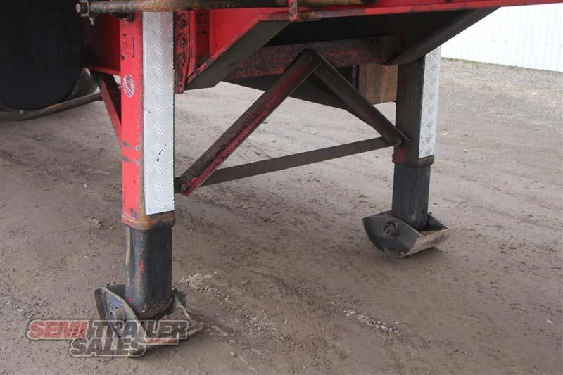 lucar 12 pallet roll back pantech semi a trailer 416890 011