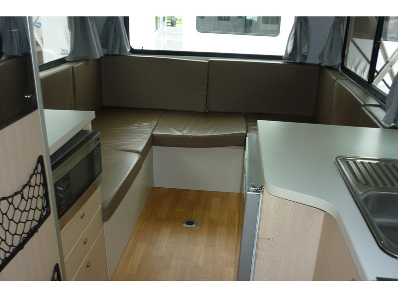 volkswagen crafter beach 4 berth automatic 296588 006