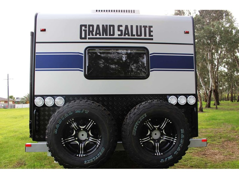 grand salute royal guard 22ft off road 417270 006