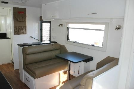 retreat caravans brampton 418905 010