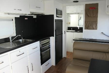 retreat caravans brampton 418905 008