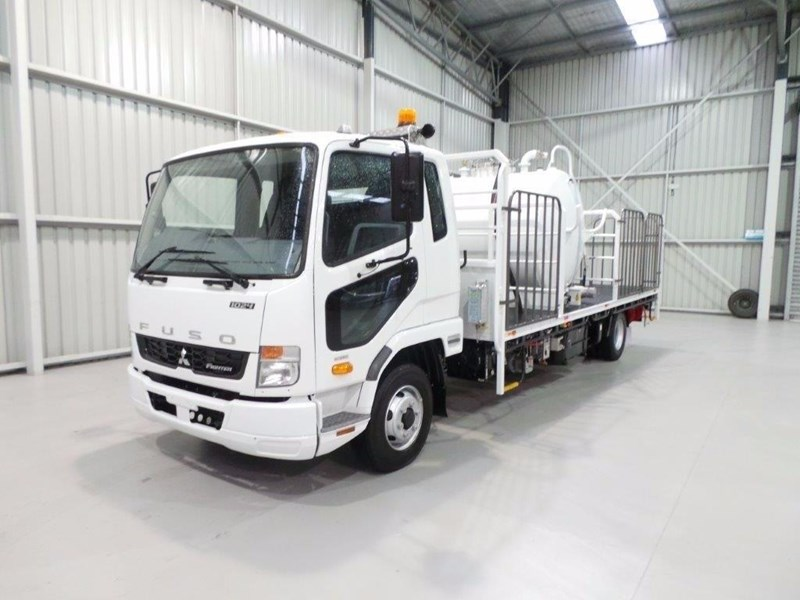 fuso fighter 1024 399108 026