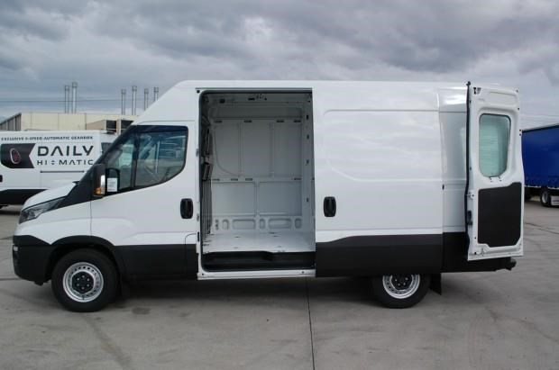 iveco daily 35s13 420463 008