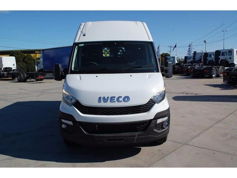 iveco daily 35s13 420464 005
