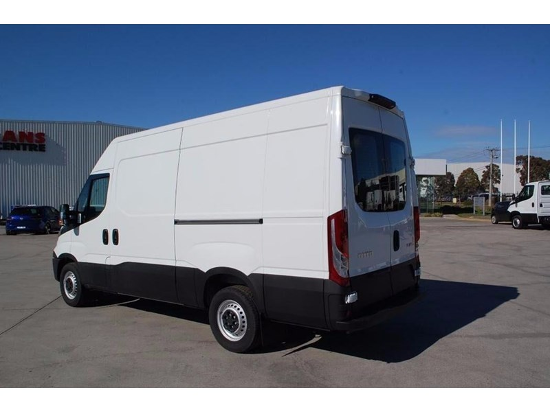 iveco daily 35s13 420464 014