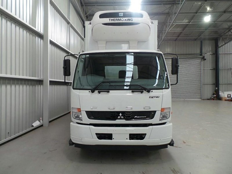 fuso fighter 2427 269459 018