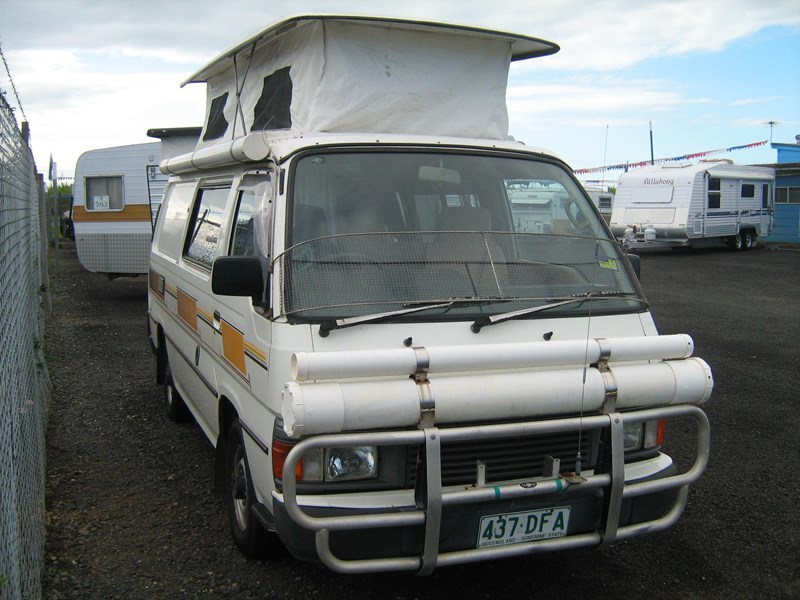 nissan urvan pop top campervan 420780 002