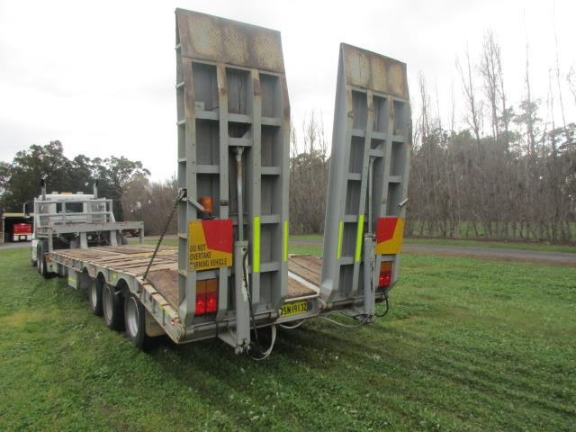 custom low loader trailer 421343 006