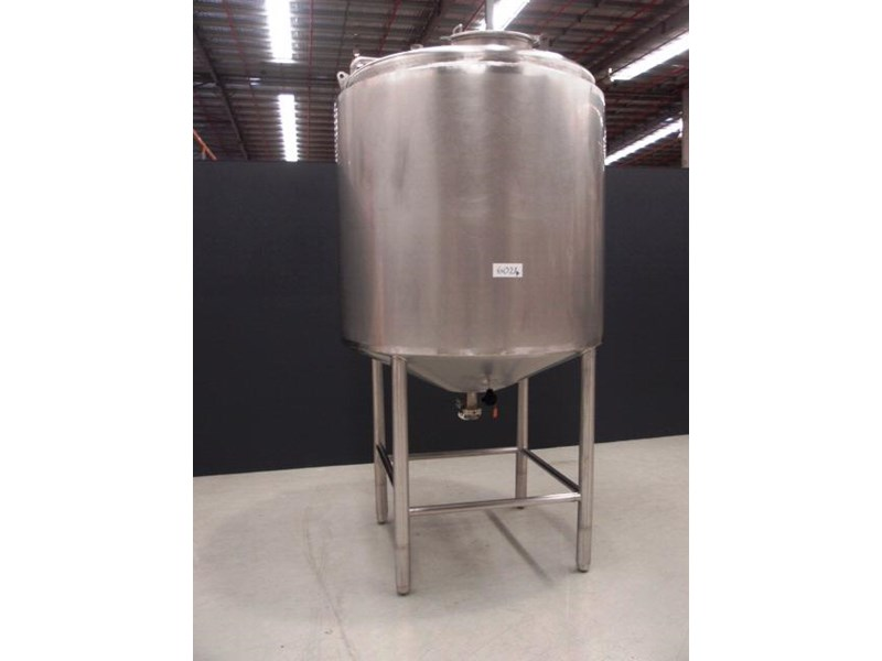 stainless steel storage tank 3,000lt 419902 001