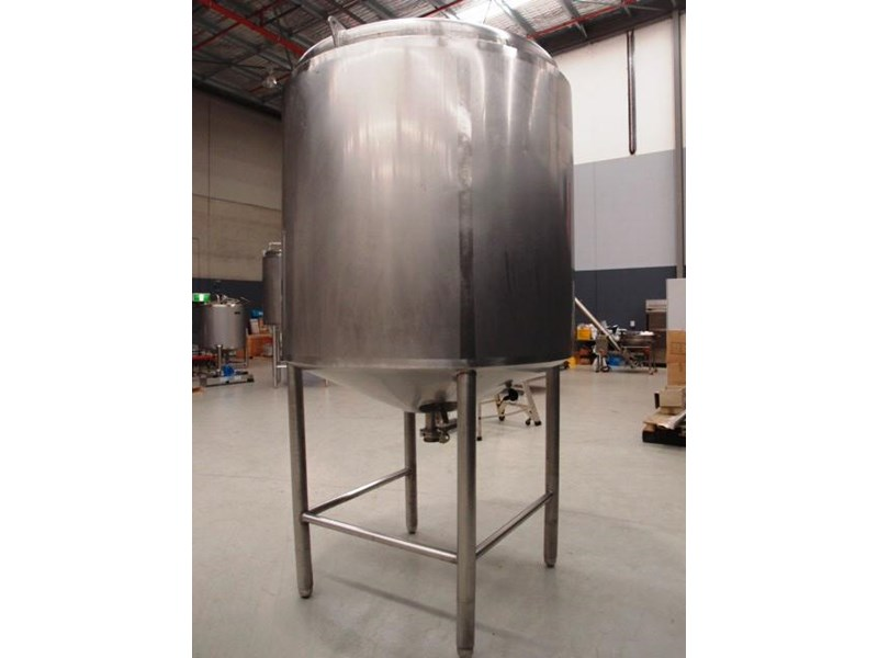 stainless steel storage tank 3,000lt 419885 002