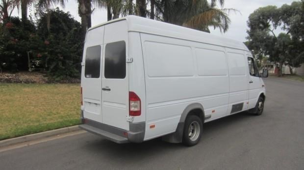 mercedes-benz sprinter 416 cdi 421802 011