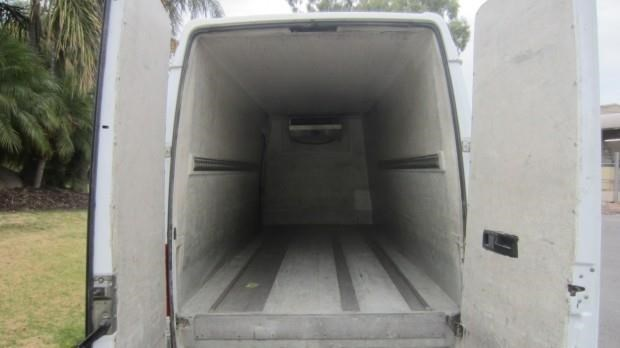 mercedes-benz sprinter 416 cdi 421802 012