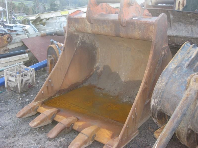oz buckets 1360mm gp bucket 421879 001