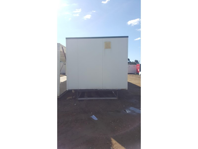 e i group portables as new used 12m x 3m ablution building 422089 002