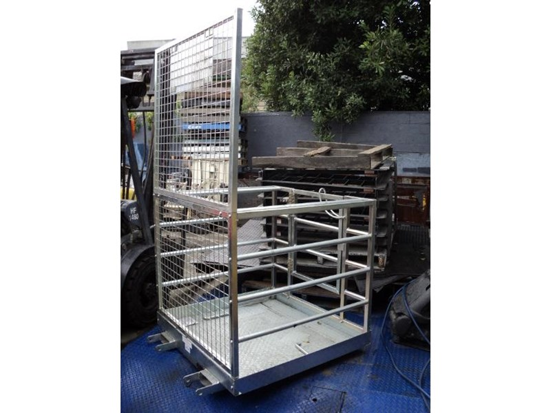 unknown safety cage 422348 010