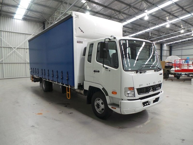 fuso fighter 1024 319055 024