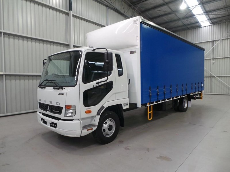 fuso fighter 1024 319055 019