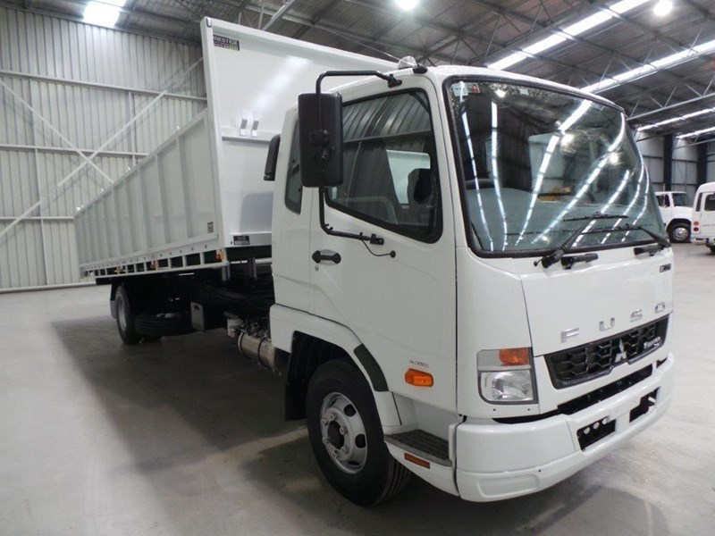 fuso fighter 1024 323567 032