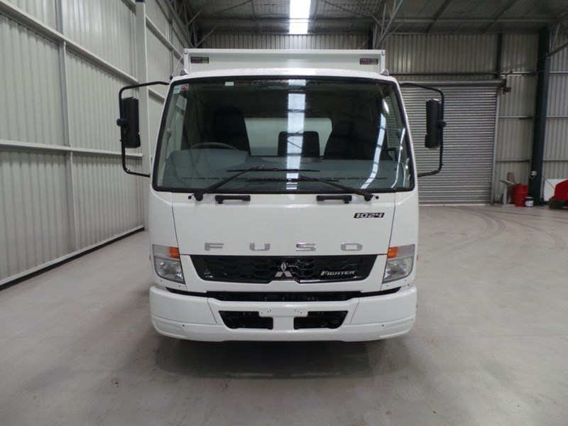 fuso fighter 1024 323567 033