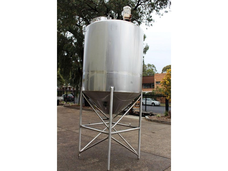 stainless steel mixing tank 3,000lt 422546 002