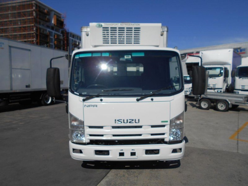 isuzu npr200 medium 419734 002