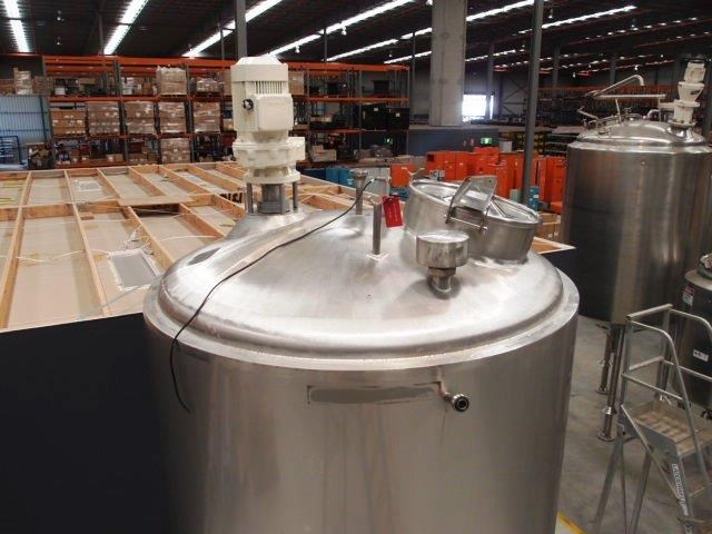 stainless steel mixing tank 3,000lt 419871 003