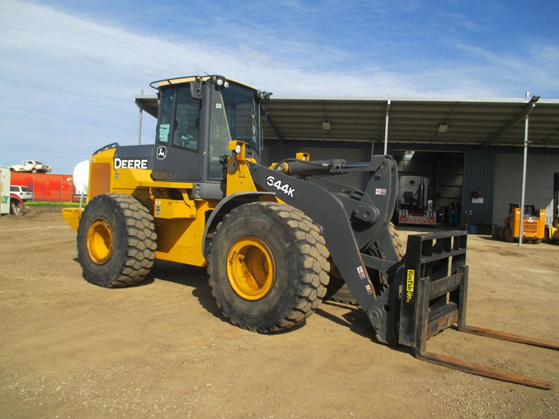 john deere 644k (also available for hire) 423084 002