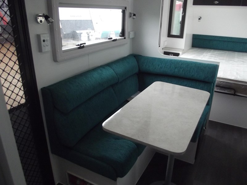 "colorado caravans summit full ensuite 17'6"" 423997 003"