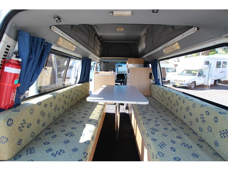 toyota hiace frontline twin bed 424222 006