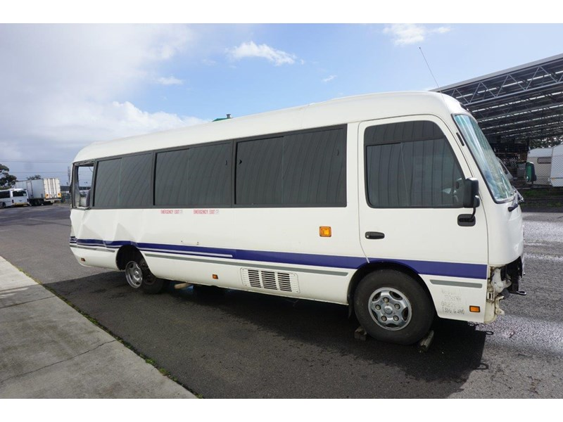 toyota coaster 50 series xzb50r - now wrecking!! 424276 006