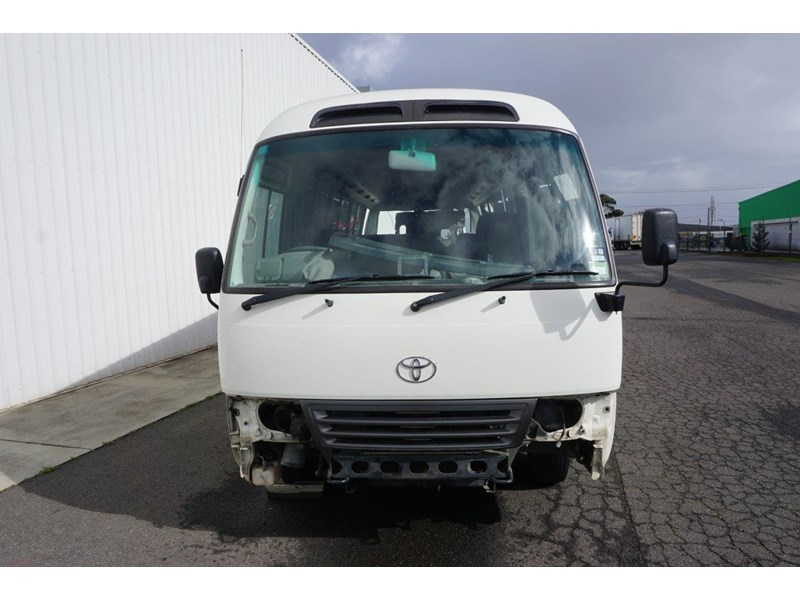 toyota coaster 50 series xzb50r - now wrecking!! 424276 004