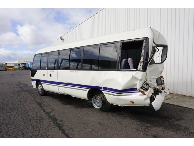 toyota coaster 50 series xzb50r - now wrecking!! 424276 008