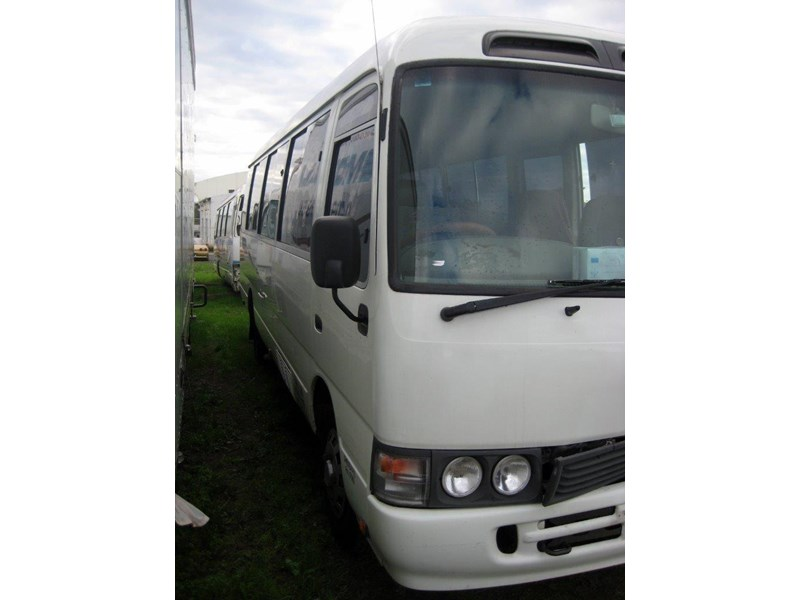 toyota coaster 50 series hzb50r - now wrecking!! 424360 010