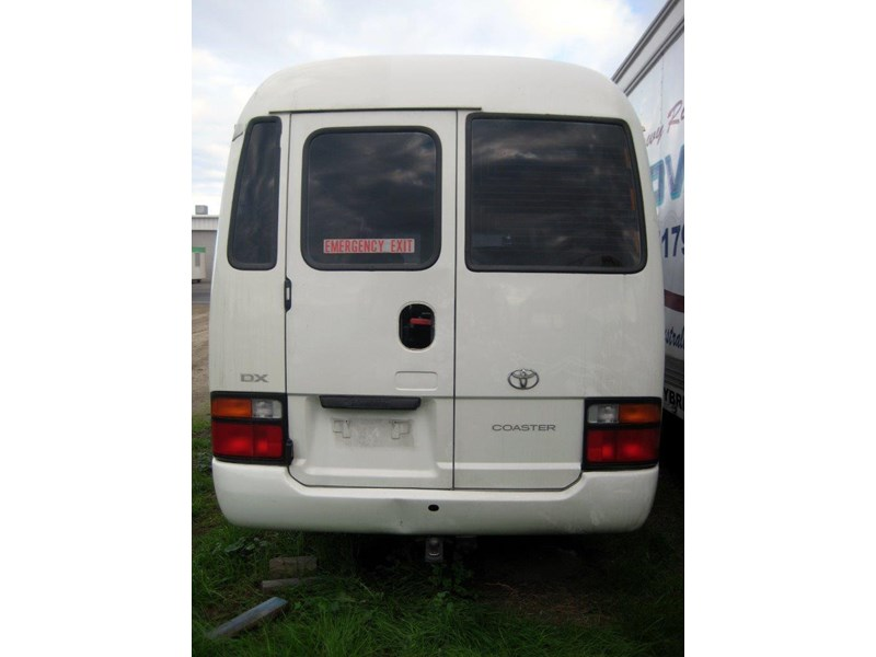 toyota coaster 50 series hzb50r - now wrecking!! 424360 012