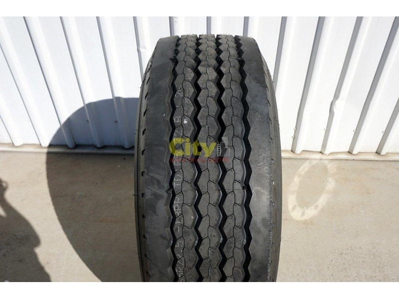 other 10/335 11.75x22.5 super single rim & tyre package 424869 005