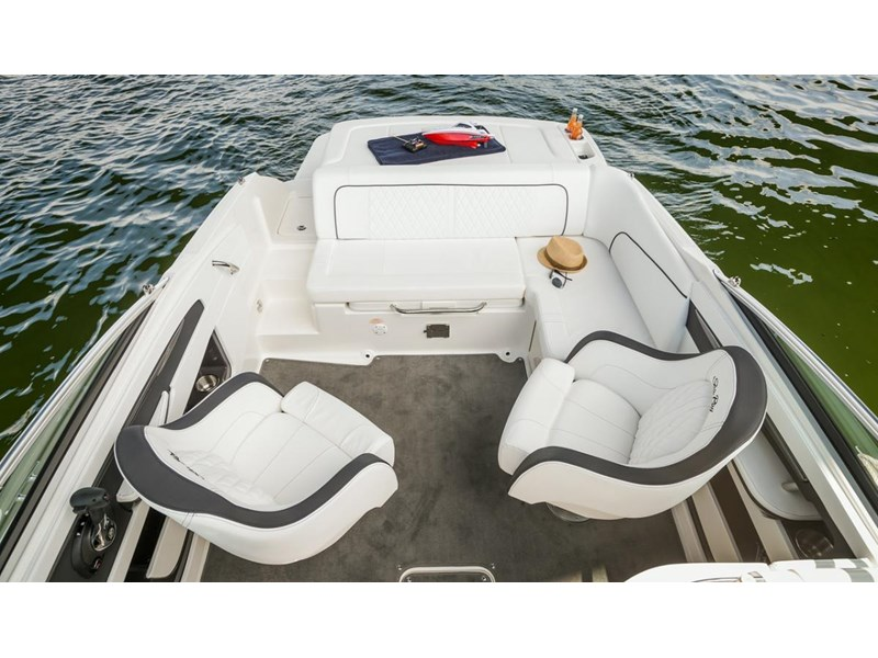 sea ray 220 sundeck 295890 021