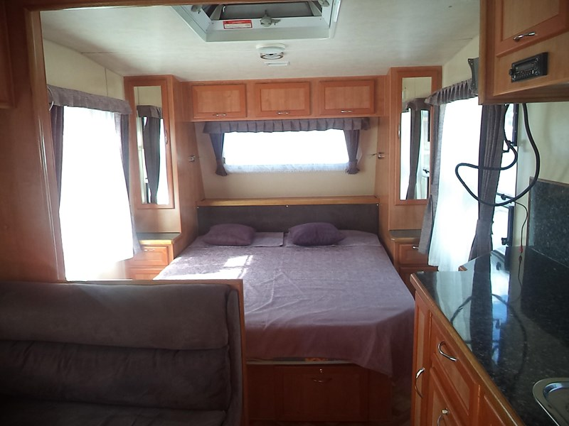 retreat caravans brampton 425235 004