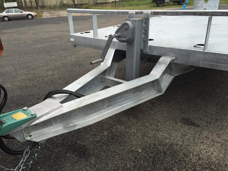 jp trailers galvanised mini tag trailer plus brown tipper 425289 029