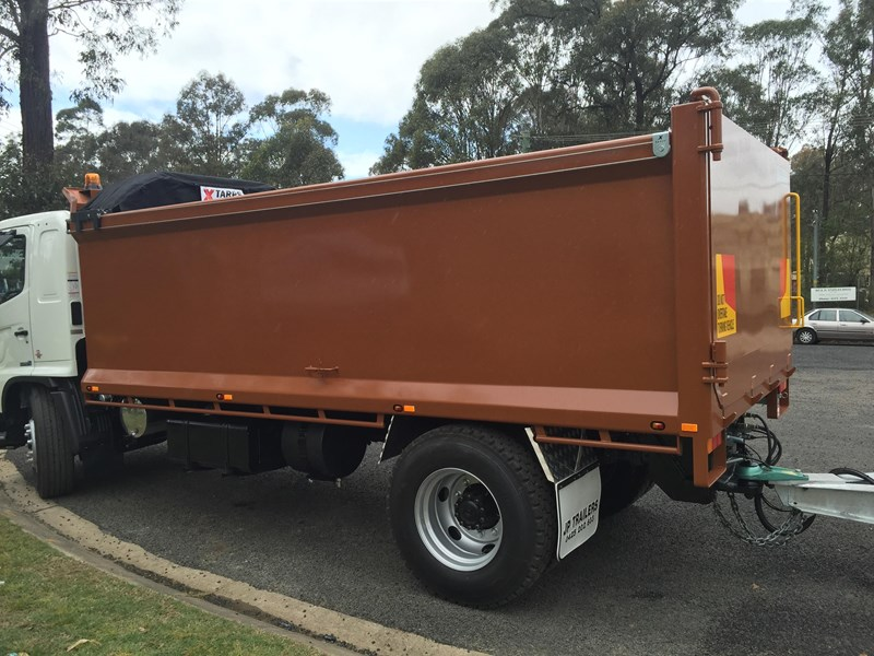 jp trailers galvanised mini tag trailer plus brown tipper 425289 034