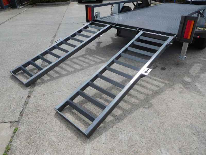 interstate trailers 4.5 ton plant trailer 236240 009