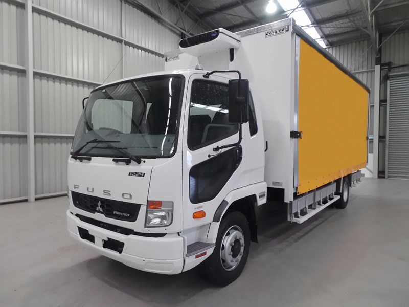 fuso fighter 1224 426015 001